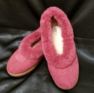 UGG Burgundy Leather & Sheepskin Slipper (9) VGUC